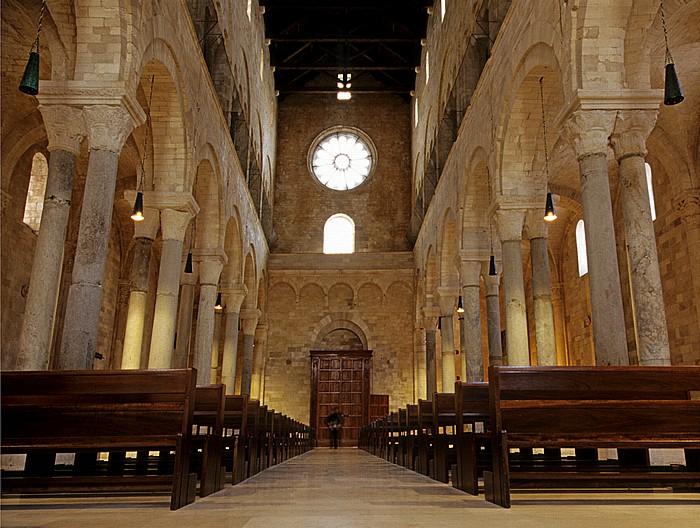 Trani Cattedrale di San Nicola Pellegrino: Mittelschiff