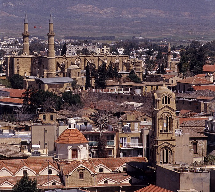 Griechische Altstadt: Blick vom Shakolas-Turm Nikosia