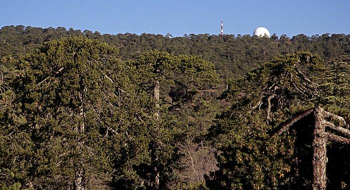Blick aus dem Troodos Hotel: Olympos mit einer britischen Radarstation auf dem Gipfel