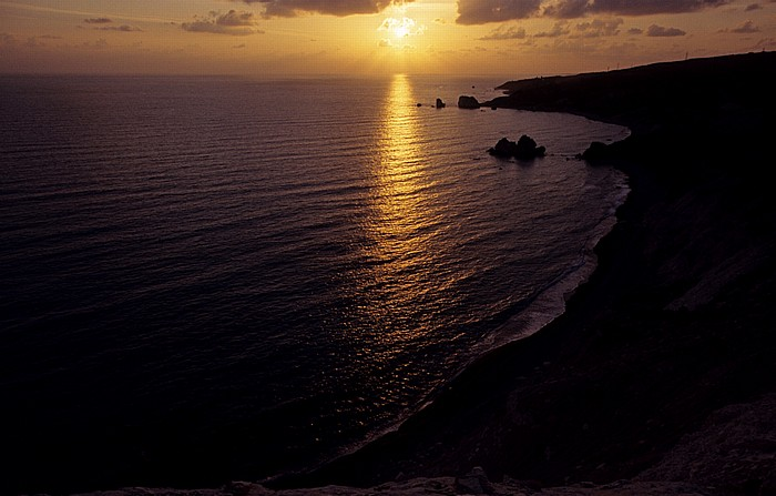 Petra tou Romiou Sonnenuntergang über dem Mittelmeer Felsen der Aphrodite Sarazenen-Felsen