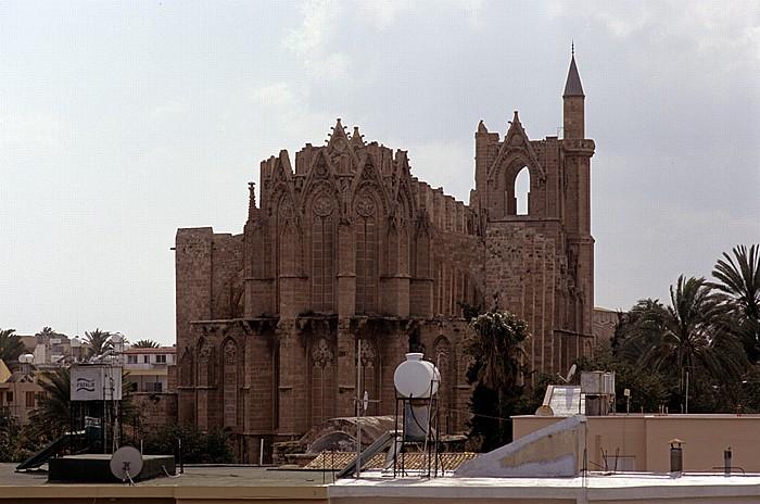 Famagusta Blick vom Seetor: Lala-Mustafa-Moschee (Agia Sofia, ehem. St.-Nikolaus-Kathedrale)