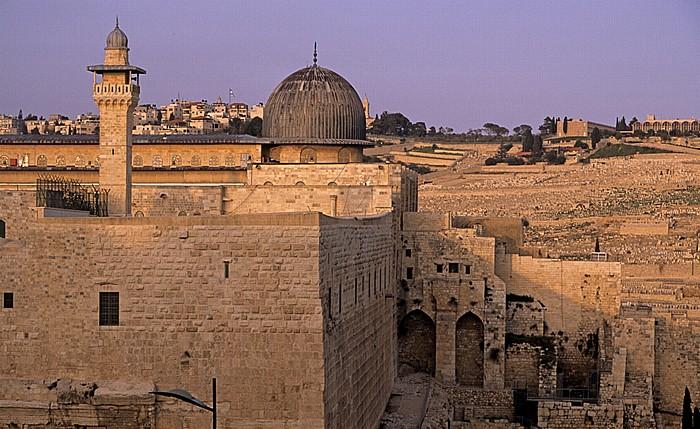 Altstadt: Tempelberg mit al-Aqsa-Moschee und El-Fakhariyya-Minarett sowie der Südmauer Jerusalem