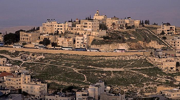 Blick vom Ölberg: Al-Eizariya (al-Izzariya, Westjordanland) Jerusalem