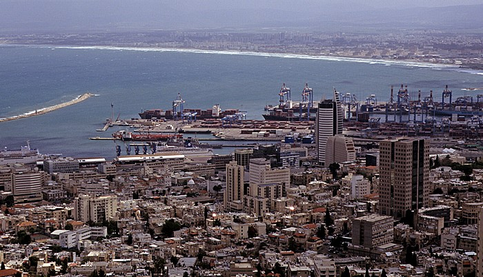 Haifa Blick vom Berg Karmel:  Stadtzentrum, Hafen und Mittelmeer
