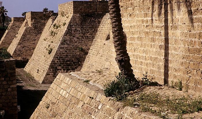 Caesarea National Park: Kreuzfahrermauer