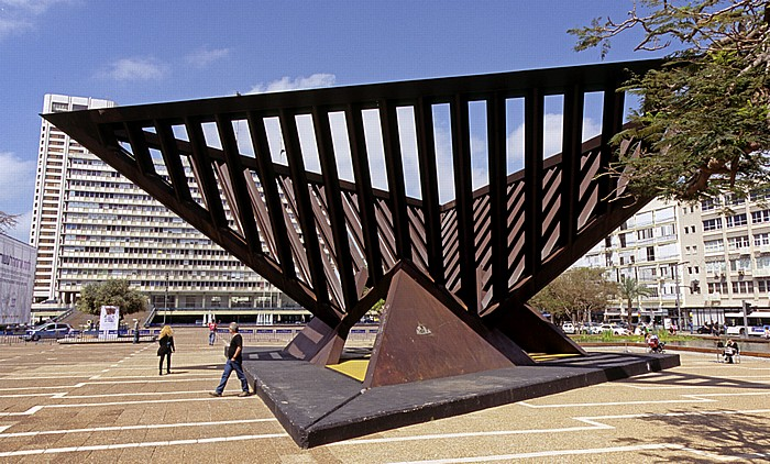 Tel Aviv Rabin Square (früher: Kings of Israel Square): Holocaust- und Widerstandsmonument City Hall Monument of Holocaust and Resistance