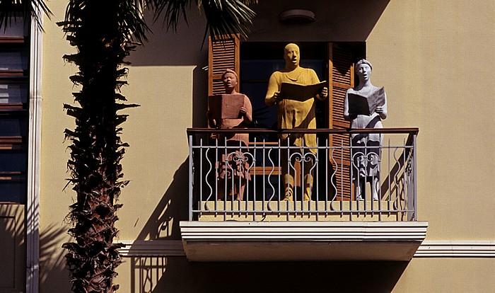 Tel Aviv Rothschild Boulevard (Sderot Rotshild) (Weiße Stadt, Bauhausarchitektur): Balcony Singers Sculpture