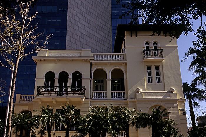 Tel Aviv Rothschild Avenue (Weiße Stadt, Bauhausarchitektur): Russische Botschaft Alrov Tower