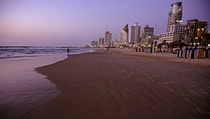 Tel Aviv Mittelmeer, Strand, Skyline - Kurz nach Sonnenuntergang