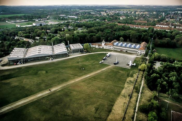 Luftbild aus Zeppelin: Flugwerft Schleißheim München 2011