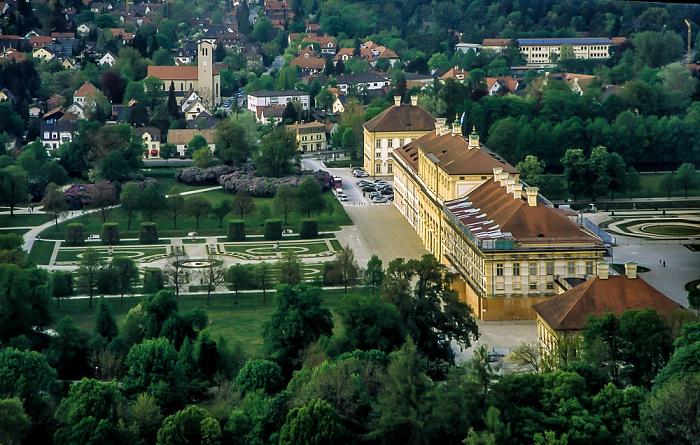 Luftbild aus Zeppelin: Schlossanlage Schleißheim - Neues Schloss München 2011