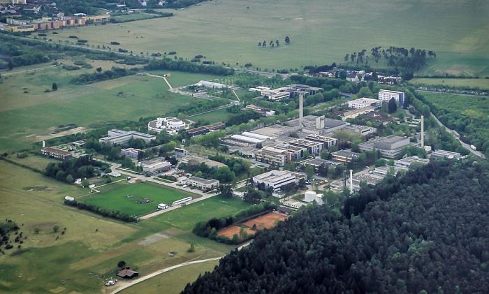 Luftbild aus Zeppelin: Helmholtz Zentrum München (Deutsches Forschungszentrum für Gesundheit und Umwelt) München 2011