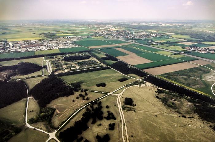 München Luftbild aus Zeppelin: Fröttmaninger Heide. Bundesautobahn A 9 Isarauen