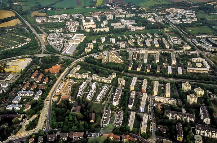 München Luftbild aus Zeppelin: Oberföhring mit dem Pharaogebäude Cosimastraße Föhringer Ring Johanneskirchen Straßenbahnhaltestelle St. Emmeram