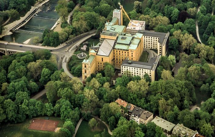 Luftbild aus Zeppelin: Maximiliansanlagen, Max-Planck-Straße, Maximilianeum (Bayerischer Landtag) München 2011