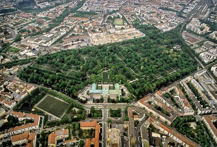Luftbild aus Zeppelin: Giesing - Ostfriedhof München 2011