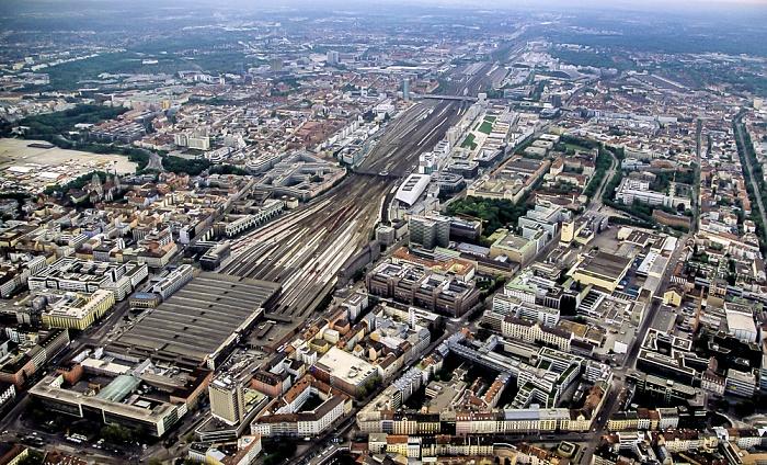 München Luftbild aus Zeppelin: Schwanthalerhöhe, Bahnstrecke Hauptbahnhof - Pasing, Maxvorstadt Arnulfpark Donnersbergerbrücke Hackerbrücke Laim Nymphenburger Straße Theresienwiese Westpark