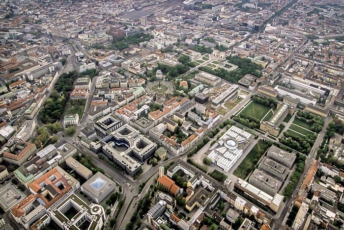 Luftbild aus Zeppelin: Kunstareal München in der Maxvorstadt München 2011