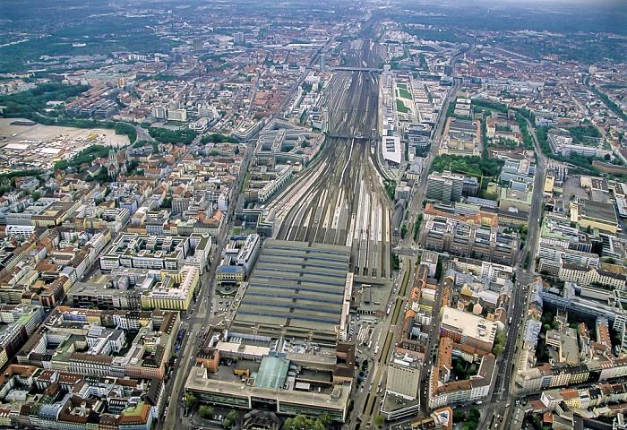 Luftbild aus Zeppelin: Schwanthalerhöhe, Bahnstrecke Hauptbahnhof - Pasing, Maxvorstadt München