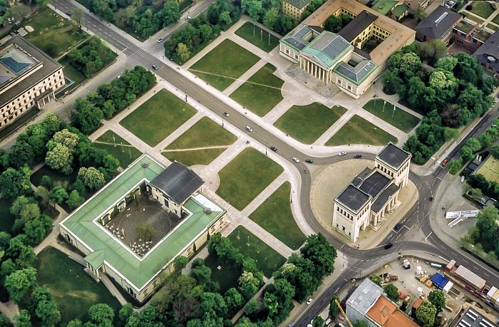 Luftbild aus Zeppelin: Kunstareal München in der Maxvorstadt - Königsplatz München 2011