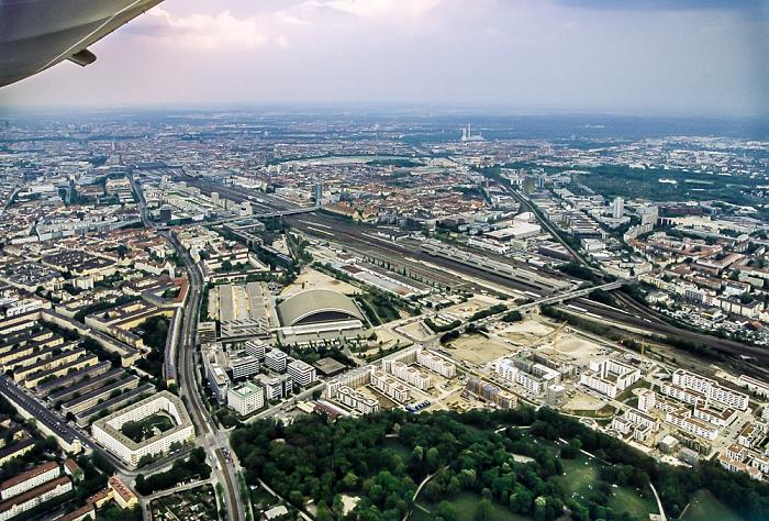 Luftbild aus Zeppelin: Neuhausen-Nymphenburg, Bahnstrecke Hauptbahnhof - Pasing, Laim München 2011