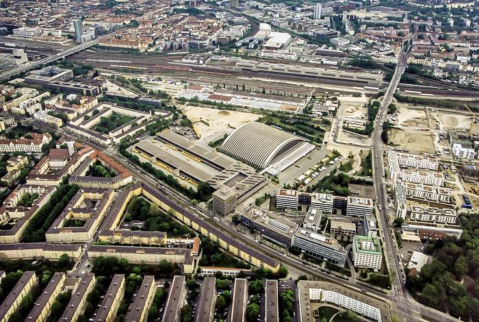 Luftbild aus Zeppelin: Neuhausen-Nymphenburg - Briefverteilzentrum München München 2011