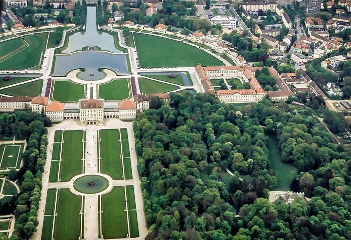 Luftbild aus Zeppelin: Schloss und Park Nymphenburg München 2011
