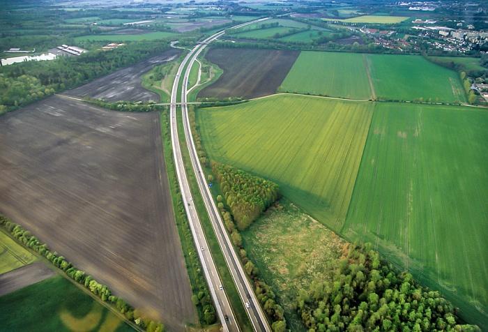 Luftbild aus Zeppelin: Autobahn A 92 München 2011