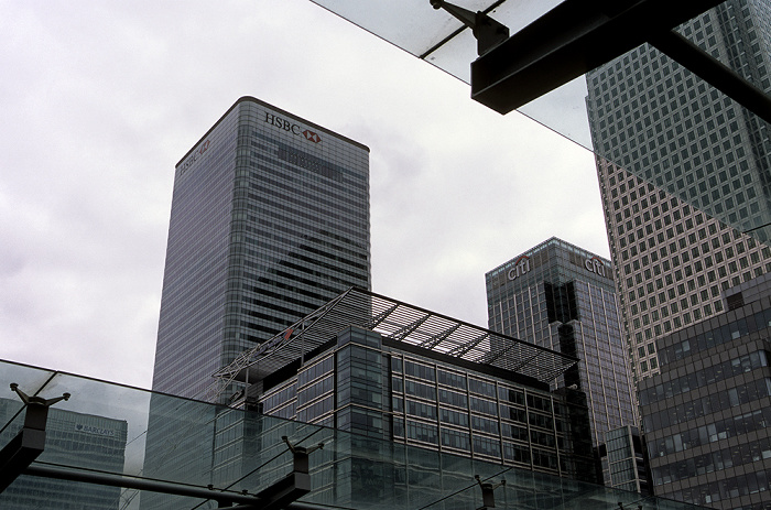 Docklands: Canary Wharf - West India Quay DLR Station London