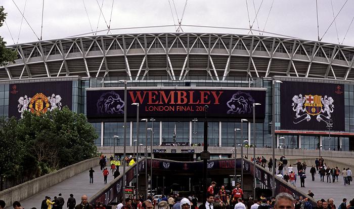 London Wembley Park: Olympic Way (Wembley Way), Wembley-Stadion (Wembley Stadium)