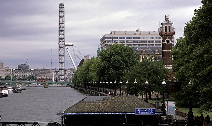 Themse, Westminster Bridge, London Eye, St Thomas' Hospital, Lambeth Palace London