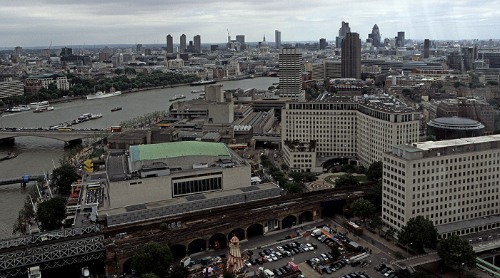 Blick aus dem London Eye 30 St Mary Axe City of London King's Reach Tower Queen Elizabeth Hall Royal Festival Hall Shell Centre St Paul's Cathedral The London Studios The Whitehouse Apartments Themse Waterloo IMAX Cinema