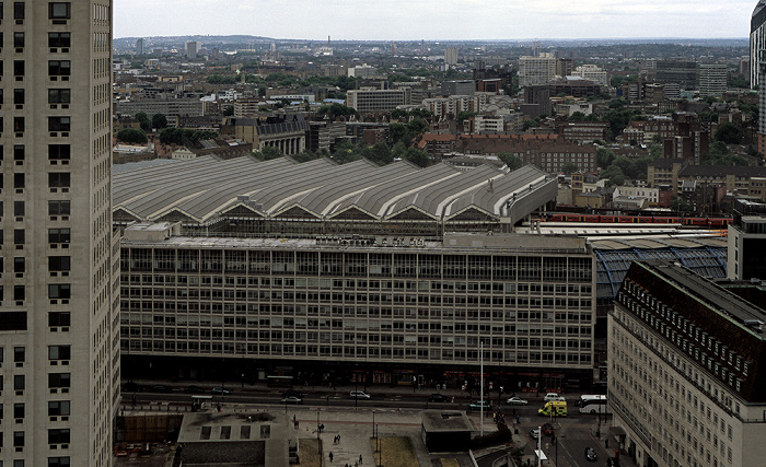 Blick aus dem London Eye County Hall Apartments Elizabeth House Shell Centre Waterloo Station