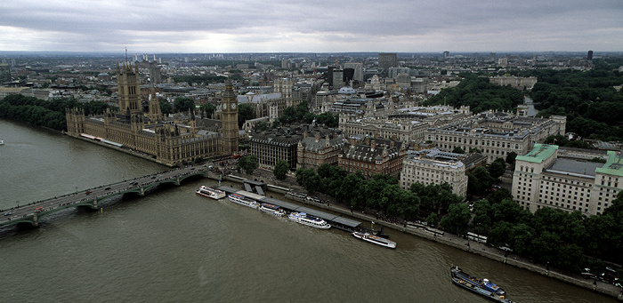 Blick aus dem London Eye Big Ben Buckingham Palace Houses of Parliament Ministry of Defence Norman Shaw Building Portcullis House St James's Park Themse Victoria Tower Gardens Westminster Abbey Westminster Bridge