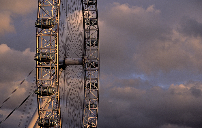 Blick von der Golden Jubilee Bridge: London Eye London