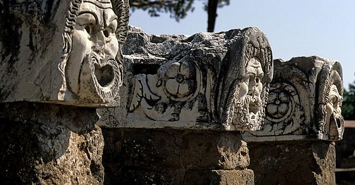 Ostia Antica: Theatermasken