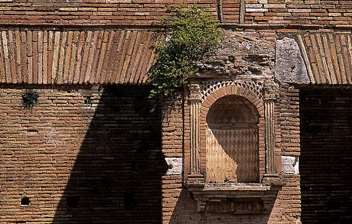 Ostia Antica: Caseggiato del Larario