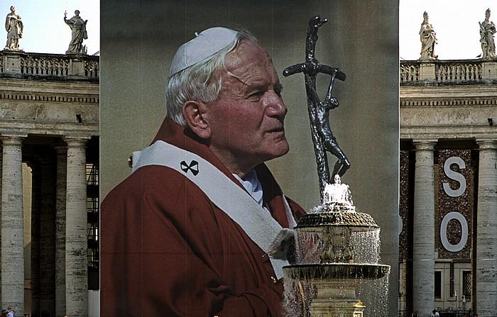 Vatikan Petersplatz: Portrait von Papst Johannes Paul II.