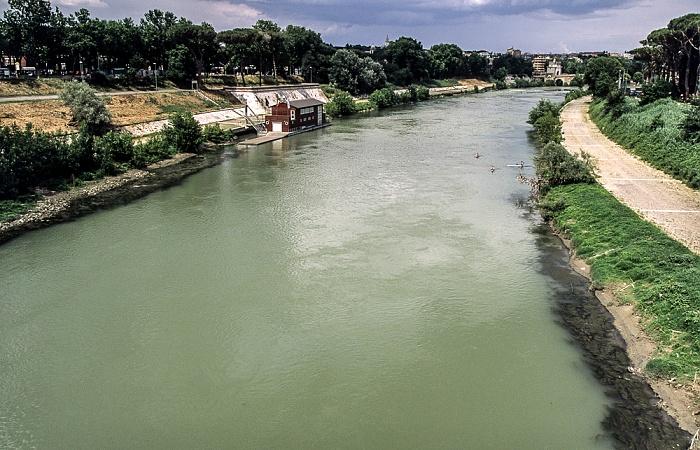 Rom Blick von der Ponte Duca d'Aosta: Tiber