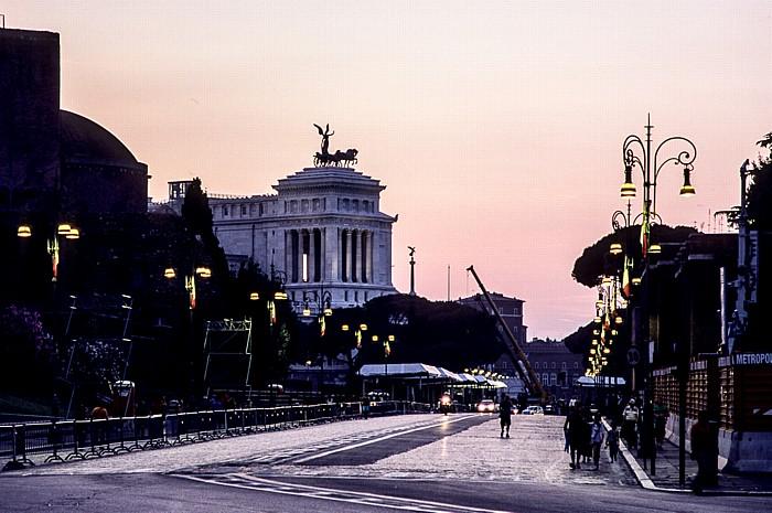 Via dei Fori Imperiali Rom