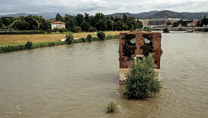 Blick von der Ponte del Risorgimento: Etsch (Adige) Verona