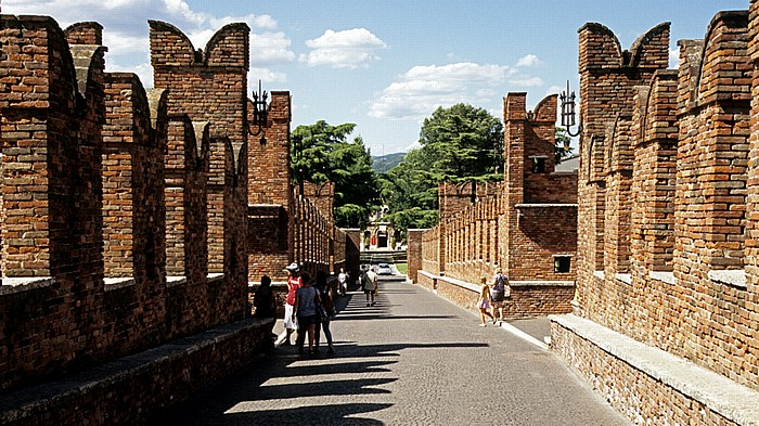 Centro Storico (Altstadt): Ponte Scaligero (Skaligerbrücke) Verona