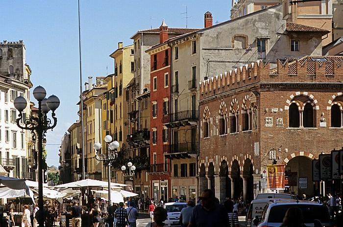 Centro Storico (Altstadt): Piazza delle Erbe Verona