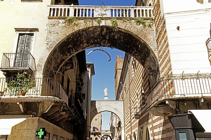 Centro Storico (Altstadt): Via della Costa Verona