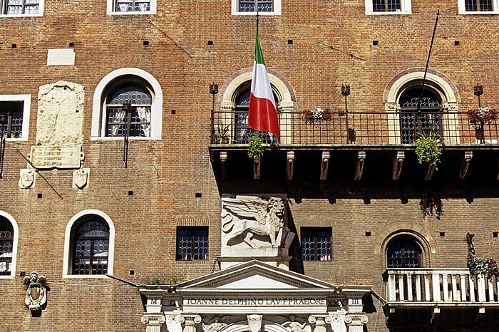 Centro Storico (Altstadt): Piazza dei Signori - Palazzo del Podestà Verona