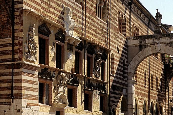 Centro Storico (Altstadt): Piazza dei Signori - Palazzo della Ragione Verona