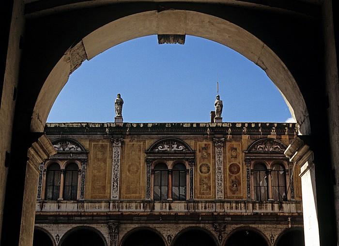 Centro Storico (Altstadt): Piazza dei Signori - Loggia del Consiglio Verona