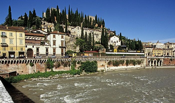 Centro Storico (Altstadt): Blick von der Ponte Pietra Verona