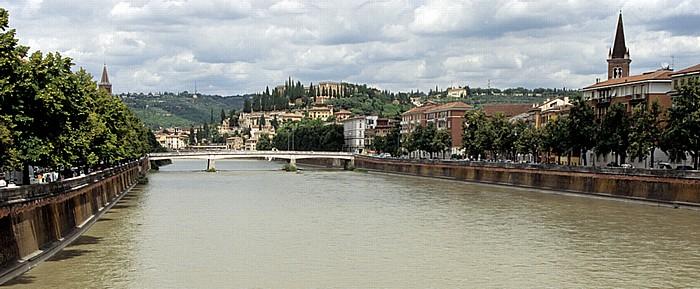 Verona Centro Storico (Altstadt) - Blick von der Ponte Navi: Etsch (Adige) und Ponte Nuovo Castel San Pietro Colle San Pietro