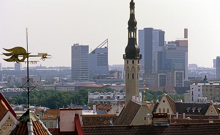 Altstadt: Blick vom Domberg - Unterstadt mit dem Tallinner Rathaus (Tallinna raekoda) Tallinn 2011
